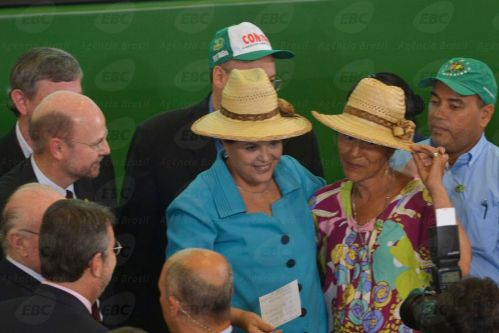 916148-dilma_agricultura