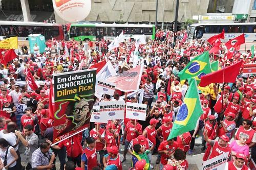 PP_-Protesto-em-frente-a-sede-da-Petrobras-em-Sao-Paulo-foto-Paulo-Pinto-Fotos-Publicas0013