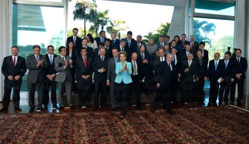 Presidenta Dilma Rousseff discute temas de interesse comum com governadores dos estados.