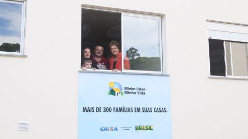 Caxias do Sul - Presidenta Dilma Rousseff durante cerimônia de entrega de 320 unidades habitacionais em Caxias do Sul/RS (Roberto Stuckert Filho/PR)