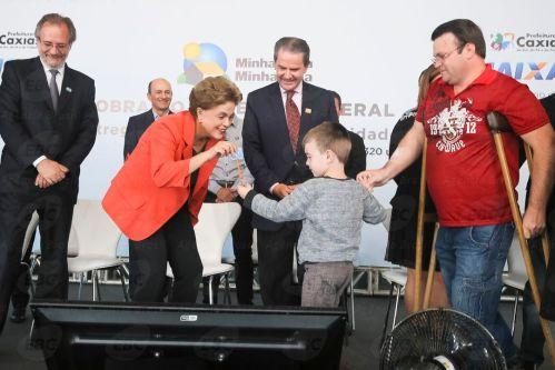 Caxias do Sul - RS - Presidenta Dilma Rousseff durante cerimônia de entrega de 320 unidades habitacionais em Caxias do Sul/RS ( Roberto Stuckert Filho/PR)
